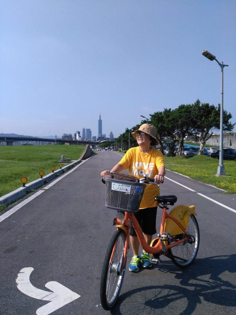 基隆河自行車道-無論年紀多少都愛