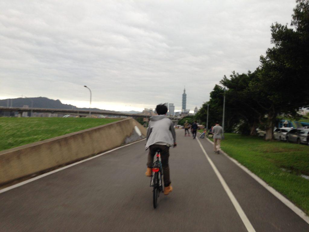 基隆河自行車道_看見台北101